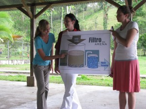 EWB-GA, Panama, Explaining Biosand Filters, Rahul Mitra