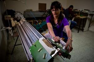 Majida using a knitting machine
